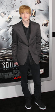 Cameron Monaghan wore black high top sneakers to the premiere of 'Source Code.'