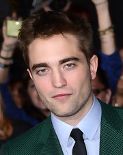 Robert looked studly with his scruffy 'do at the 'Breaking Dawn' LA premiere.