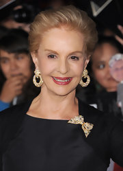 Carolina Herrera wore a stunning pair of gold and diamond hoop earrings to the 'Breaking Dawn' premiere.