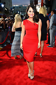 Jojo heated up the red carpet in her classic red dress at the Hollywood premiere of 'Sparkle.'