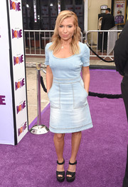 Tracy Anderson was a cutie in her faded denim dress during the premiere of 'Home.'