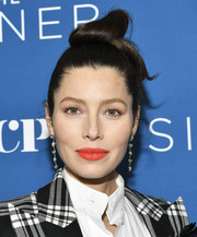 Jessica Biel looked cool and youthful with her top knot at the premiere of 'The Sinner' season 3.