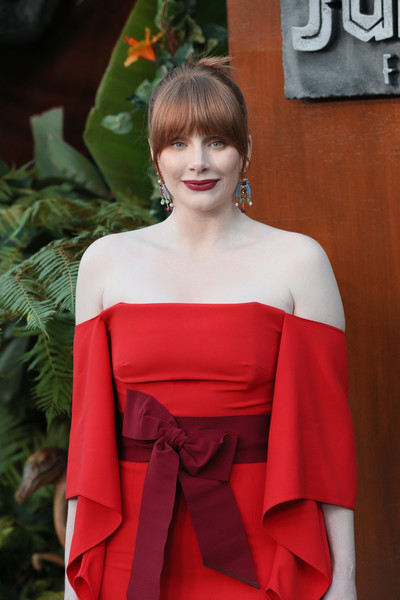 Bryce Dallas Howard's burgundy Johanna Ortiz belt made a lovely color contrast to her red dress at the premiere of 'Jurassic World: Fallen Kingdom.'