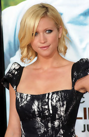 Brittany Snow looked amazing on the red carpet. Her side swept bob was the right touch to her outfit.