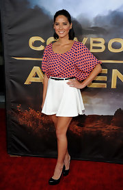 Olivia Munn went for a youthful look at the 'Cowboys & Aliens' premiere in a polka-dot blouse. The starlet wore a high-waisted flouncy skirt and completed her look with black patent pumps.