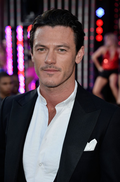 More Pics of Luke Evans Men's Suit (1 of 12) - Men's Suit Lookbook - StyleBistro