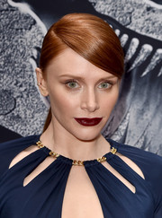 Bryce Dallas Howard attended the 'Jurassic World' premiere wearing a super-sleek side-parted ponytail.