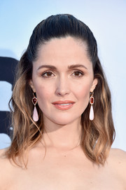 Rose Byrne looked demure and pretty at the 'Neighbors 2: Sorority Rising' premiere wearing thei half-up wavy 'do.