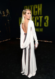 Anna Camp donned a white and gray Antonio Berardi gown that featured a dramatic draped back for the premiere of 'Pitch Perfect 3.'
