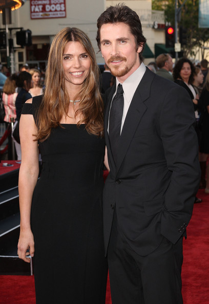 Sibi parted her hair in the center for a long wavy style at the premier of 'Public Enemies.'
