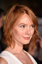 Alicia Witt looked trendy wearing this razor cut at the premiere of 'Dumb and Dumber To.'