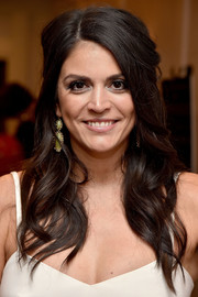 Cecily Strong framed her face with this half-up wavy style for the premiere of 'Other People.'
