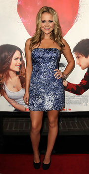 "Cassi Thomson pared down the sparkly mini she wore to the ""Waiting for Forever"" premiere with black platform pumps."