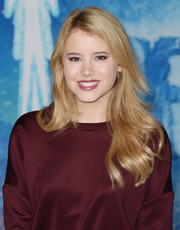 Taylor Spreitler sported wind-swept feathered waves at the premiere of 'Frozen.'