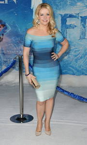 Melissa Joan Hart looked amazing at the premiere of 'Frozen' in an off-the-shoulder Herve Leger bandage dress in different shades of blue.