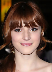 Bella Thorne wore shimmery metallic gold eyeliner along her lower lash lines at the premiere of 'John Carter.'