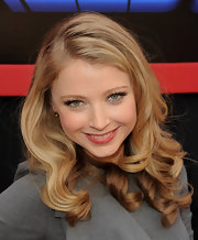 Elisabeth looking stunning at the premiere of 'Mars Needs Moms.' She completed her look with side parted flowing curls.