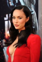 Megan Fox complemented her blue eyes with a silvery shade of shadow at the premiere of 'Jonah Hex.'