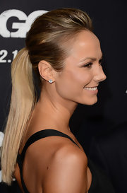 Looking to create a voluminous ponytail? Take some pointers from Stacy's 'do!