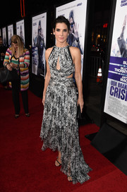 Sandra Bullock made a fab choice with this asymmetrical black-and-white cutout dress by J. Mendel for the premiere of 'Our Brand is Crisis.'