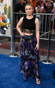Kristen Bell completed her girly outfit with a tiered floral maxi skirt, also by Alberta Ferretti.