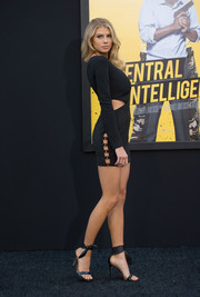 Charlotte McKinney sizzled in a tiny LBD with a racy side cutout during the premiere of 'Central Intelligence.'