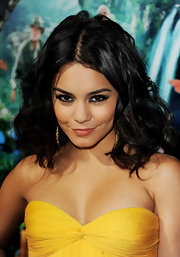 Vanessa Hudgens wore sultry sweeps of smoky black eyeliner at the premiere of 'Journey 2: The Mysterious Island.'