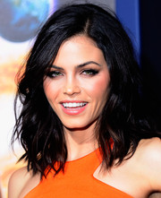 Jenna Dewan-Tatum went for edgy styling with this tousled wavy 'do when she attended the 'Jupiter Ascending' premiere.