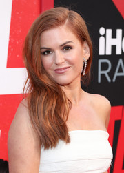 Isla Fisher looked sweet and chic with her side-swept 'do at the premiere of 'Tag.'