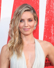 Annabelle Wallis styled her hair into an edgy-glam side sweep for the premiere of 'Tag.'
