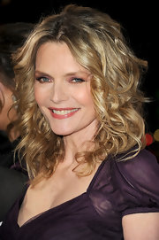 Michelle Pfeiffer wore her hair in a bouncy mass of soft curls at the premiere of 'New Year's Eve.'