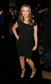 Alyssa Milano looked fierce in a black ruched LBD for the 'New Year's Eve' premiere.