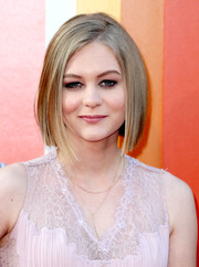 Ryan Simpkins showed off a super sleek graduated bob at the premiere of 'The Nice Guys.'