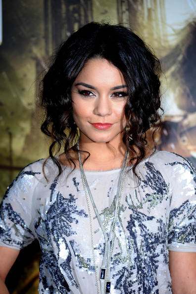 More Pics of Vanessa Hudgens Silver Lariat Necklace (4 of 37) - Lariat Necklaces Lookbook - StyleBistro