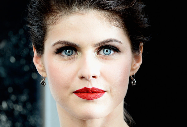 More Pics of Alexandra Daddario Loose Bun (1 of 41) - Alexandra Daddario Lookbook - StyleBistro