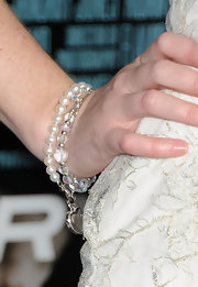 Sarah Drew wore a classic pearl bracelet to the premiere of 'Unknown.'