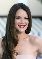 Jacinda Barrett looked stunning in a classic red lipstick at the premiere of 'Whiteout.'