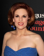 Kat Kramer took us back to the '60s with this retro-chic hairdo at the 'August: Osage County' LA premiere.