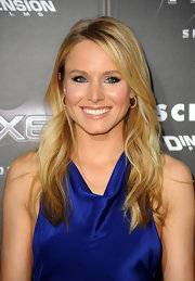 Kristen Bell kept her locks low key at the 'Scream 4' premiere with a wavy hairstyle parted softly down the side.