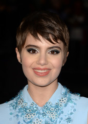 Sami Gayle's peepers totally glowed thanks to some metallic silver eyeshadow.