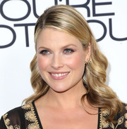 Ali Larter attended the 'You're Not You' premiere wearing a sweet wavy 'do with the sides tucked behind her ears.