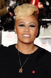 Emeli's short, side-shaven 'do was styled in a funky take on the fauxhawk.