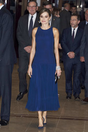 Queen Letizia of Spain kept it minimal yet elegant in this sleeveless blue cocktail dress by Felipe Varela at the Princesa de Asturias Awards.