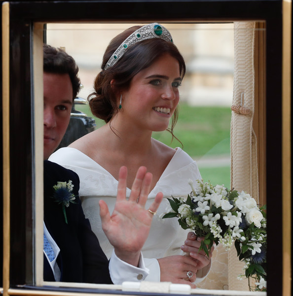 Princess Eugenie Engagement Ring [eugenie of york,jack brooksbank,husband,scottish state coach,bride,headpiece,veil,bridal accessory,hair accessory,bridal veil,wedding dress,wedding,tiara,bridal clothing,start,carriage procession,wedding,st. georges chapel,england,windsor]
