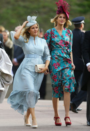 Ellie Goulding was demure in a baby-blue cocktail dress by Suzannah at Princess Eugenie's wedding.