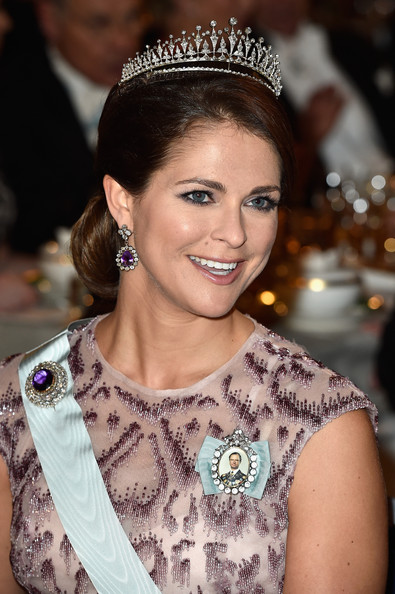 Princess Madeleine Chignon [hair,headpiece,hair accessory,hairstyle,tiara,beauty,eyebrow,fashion accessory,jewellery,headgear,madeleine of sweden,nobel prize,stockholm,concert hall,sweden,nobel prize banquet]
