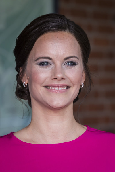 Princess Sofia of Sweden complemented her 'do with a pair of small diamond hoops.