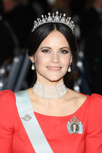 Princess Sofia of Sweden Pearl Tiara [hair,face,hair accessory,clothing,headpiece,eyebrow,jewellery,fashion accessory,hairstyle,beauty,sofia,nobel prize,stockholm,sweden,city hall,nobel prize banquet]