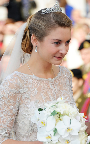 Princess Stephanie of Luxembourg Gemstone Tiara [hair,bride,hairstyle,white,headpiece,lady,dress,skin,wedding dress,clothing,wedding,wedding ceremony,ceremony,luxembourg,cathedral of our lady,stephanie,guillaume of luxembourg stephanie de lannoy - official ceremony,prince,belgian countess,guillaume of luxembourg]