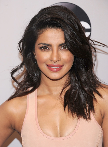 Priyanka Chopra Long Wavy Cut [abc,hair,eyebrow,human hair color,fashion model,beauty,hairstyle,chin,black hair,long hair,forehead,david geffen hall,new york city,priyanka chopra]